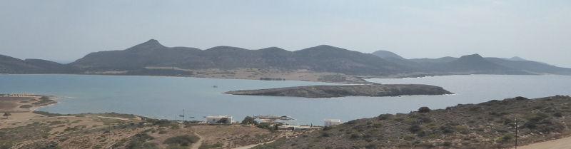 The narrow stretch of sea between the island of Tsimintiri and the southern shore of Antiparos